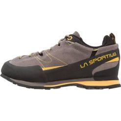 La Sportiva BOULDER X Buty wspinaczkowe grey/yellow. Szare buty trekkingowe męskie La Sportiva, z gumy, outdoorowe. Za 599,00 zł.