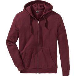 Bluza rozpinana z kapturem Regular Fit bonprix czerwony klonowy. Czerwone bejsbolówki męskie bonprix, l, z dresówki, z kapturem. Za 79,99 zł.