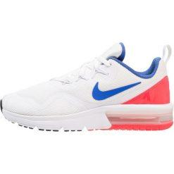 Nike Performance AIR MAX FURY Obuwie do biegania treningowe white/team red. Białe buty sportowe chłopięce Nike Performance, z materiału. Za 359,00 zł.