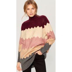 Długi sweter z golfem - Beżowy. Czerwone golfy damskie marki Mohito, z bawełny. Za 159,99 zł.