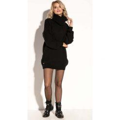 Czarna Swetrowa  Ciepła Sukienka  z Wysokim Golfem. Czarne sukienki balowe marki Molly.pl, na jesień, uniwersalny, ze splotem, z golfem, z krótkim rękawem, mini, dopasowane. Za 149,90 zł.