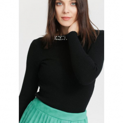 Czarny Sweter Gentle. Czarne swetry klasyczne damskie marki other, na jesień, uniwersalny. Za 34,99 zł.