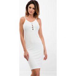Sukienki: Kremowa sukienka z wiązaniem na dekolcie 3550