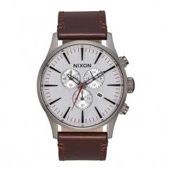 """Zegarek """"A405-2665-00"""" w kolorze srebrno-brązowym. Brązowe, analogowe zegarki męskie NIXON & ESPRIT, ze stali. W wyprzedaży za 449,95 zł."""