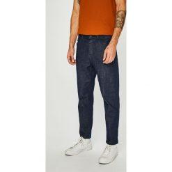 Review - Jeansy Dad. Niebieskie jeansy męskie z dziurami Review. Za 179,90 zł.