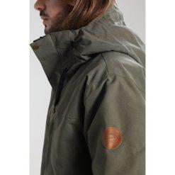 Quiksilver HORIZON Kurtka snowboardowa grape leaf. Zielone kurtki narciarskie męskie Quiksilver, l, z materiału. W wyprzedaży za 911,20 zł.