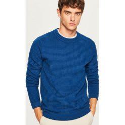 Sweter ze strukturalnej dzianiny - Niebieski. Niebieskie swetry klasyczne męskie Reserved, l, z dzianiny. Za 99,99 zł.