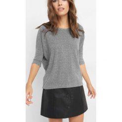 Koszulka basic oversize. Szare t-shirty damskie marki Orsay, s, z dzianiny, z dekoltem w łódkę. Za 49,99 zł.
