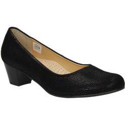 Czółenka skórzane na słupku Casu 2027. Brązowe buty ślubne damskie marki bonprix, na obcasie. Za 179,99 zł.