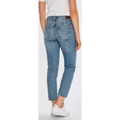 Pepe Jeans - Jeansy Ruby. Czerwone boyfriendy damskie marki Pepe Jeans, z podwyższonym stanem. Za 399,90 zł.