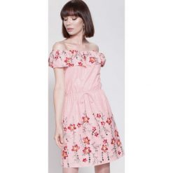 Sukienki hiszpanki: Różowa Sukienka Destiny Place