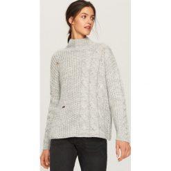 Sweter ze stójką - Jasny szar. Szare swetry klasyczne damskie Reserved, l, ze stójką. Za 99,99 zł.