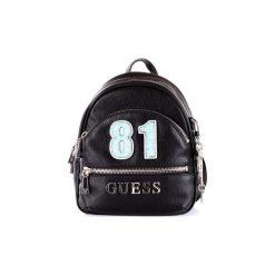 Plecaki Guess  HWVY6994310. Czarne plecaki damskie Guess, z aplikacjami. Za 524,33 zł.