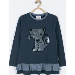 Koszulka. Niebieskie bluzki dziewczęce bawełniane marki HAPPY TIME, z aplikacjami, z falbankami, z długim rękawem. Za 55,90 zł.