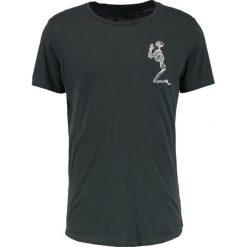 T-shirty męskie z nadrukiem: Religion PRAYING SKELETON Tshirt z nadrukiem dark metal