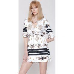 Sukienki: Biała Sukienka Belle Florist