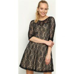 Sukienki: Czarno-Beżowa Sukienka Dressy