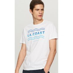 Koszulki męskie: T-shirt z wakacyjnym nadrukiem – Biały