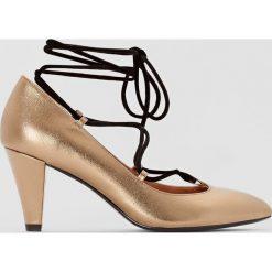 Buty ślubne damskie: Czółenka sznurowane