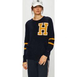 Tommy Hilfiger - Sweter. Szare swetry klasyczne damskie marki TOMMY HILFIGER, l, z dzianiny, z okrągłym kołnierzem. Za 539,90 zł.