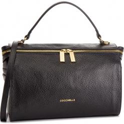 Torebka COCCINELLE - DHA Atsuko E1 DHA 18 01 01 Noir 001. Brązowe torebki klasyczne damskie marki Coccinelle, ze skóry. Za 1549,90 zł.