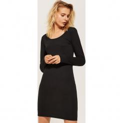 Dopasowana sukienka basic - Czarny. Czarne sukienki House, l, dopasowane. W wyprzedaży za 39,99 zł.