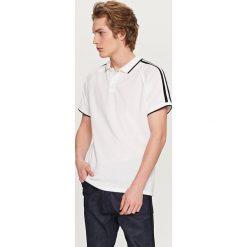 Koszulki polo: Koszulka polo z kontrastowymi paskami – Biały