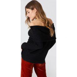 Swetry oversize damskie: NA-KD Trend Szeroki sweter z odkrytymi ramionami – Black