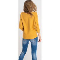 Swetry klasyczne damskie: Sweter nietoperz