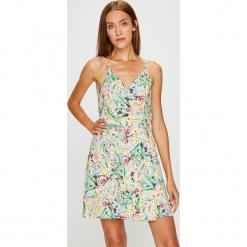 Answear - Sukienka. Szare sukienki mini ANSWEAR, na co dzień, l, z tkaniny, casualowe, na ramiączkach, proste. W wyprzedaży za 79,90 zł.