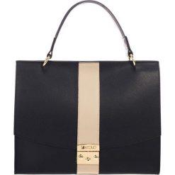 Torebki klasyczne damskie: Skórzana torebka w kolorze czarnym – (S)33 x (W)40 x (G)12 cm