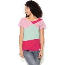 Colour Pleasure Koszulka damska CP-034  3 miętowo-różowo-malinowa r. XL-XXL. Czerwone bluzki damskie Colour pleasure, xl. Za 70,35 zł.