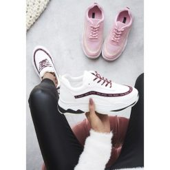 Białe Sneakersy Give Yourself A Try. Białe sneakersy damskie vices, z materiału. Za 89,99 zł.