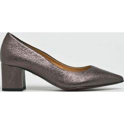 Solo Femme - Czółenka. Szare buty ślubne damskie marki Kazar, ze skóry, na wysokim obcasie, na obcasie. W wyprzedaży za 299,90 zł.
