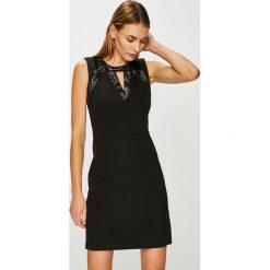 Morgan - Sukienka. Czarne sukienki balowe marki Morgan, m, z haftami, z elastanu, mini, dopasowane. W wyprzedaży za 199,90 zł.