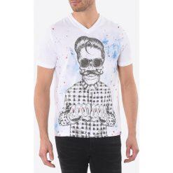T-shirty męskie: T- shirt, dekolt w serek, krótki rękaw