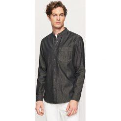 Jeansowa koszula ze stójką - Szary. Szare koszule męskie jeansowe marki Reserved, m, ze stójką. W wyprzedaży za 49,99 zł.