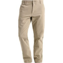 Chinosy męskie: DOCKERS SMART 360 FLEX ALPHA SLIM TAPERED Spodnie materiałowe british khaki