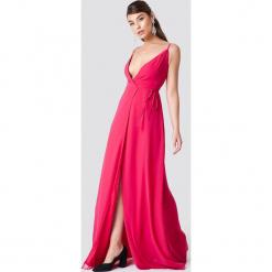Trendyol Sukienka maxi na cienkich ramiączkach - Pink. Szare długie sukienki marki Trendyol, na co dzień, z elastanu, casualowe, dopasowane. Za 242,95 zł.