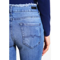 Cimarron OLIVEIA Jeans Skinny Fit destroyed. Niebieskie rurki damskie Cimarron, z bawełny. Za 549,00 zł.