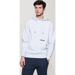 Bluzy męskie: Dresowa bluza z kapturem – Jasny szar