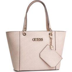Torebka GUESS - HWSH66 91230 BLUSH. Czerwone torebki klasyczne damskie Guess, z aplikacjami, ze skóry ekologicznej. Za 629,00 zł.