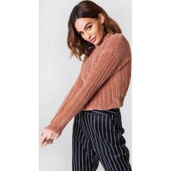 Swetry oversize damskie: NA-KD Szenilowy sweter oversize – Pink