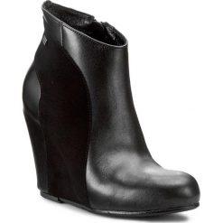 Botki MACCIONI - 308 Czarny. Czarne buty zimowe damskie Maccioni, z polaru, na koturnie. W wyprzedaży za 309,00 zł.