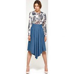 Bluzki asymetryczne: Wzorzysta Elegancka Wyjściowa Bluzka z Draperiami