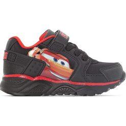 Buty sportowe Cars. Czarne buty sportowe chłopięce Cars, z syntetyku, na obcasie, na sznurówki. Za 96,98 zł.