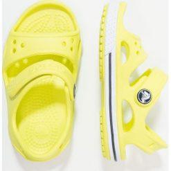 Crocs CROCBAND II Sandały kąpielowe tennis ball green/white. Żółte sandały chłopięce marki Crocs, z gumy. Za 129,00 zł.