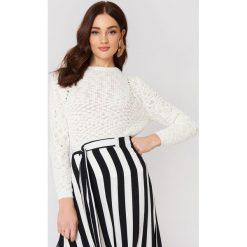 MANGO Sweter ażurowy - White. Białe swetry klasyczne damskie marki Mango, z dzianiny. W wyprzedaży za 43,58 zł.