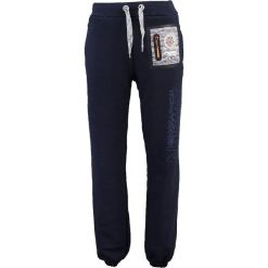 """Spodnie dresowe """"Mitor"""" w kolorze granatowym. Niebieskie joggery męskie marki Geographical Norway, z aplikacjami, z dresówki. W wyprzedaży za 117,95 zł."""