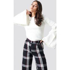 Trendyol Sweter z bufiastym rękawem - White. Szare swetry klasyczne damskie marki Vila, l, z bawełny, z okrągłym kołnierzem. Za 100,95 zł.